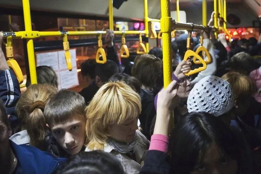 Общественный транспорт – пример неорганизованной толпы