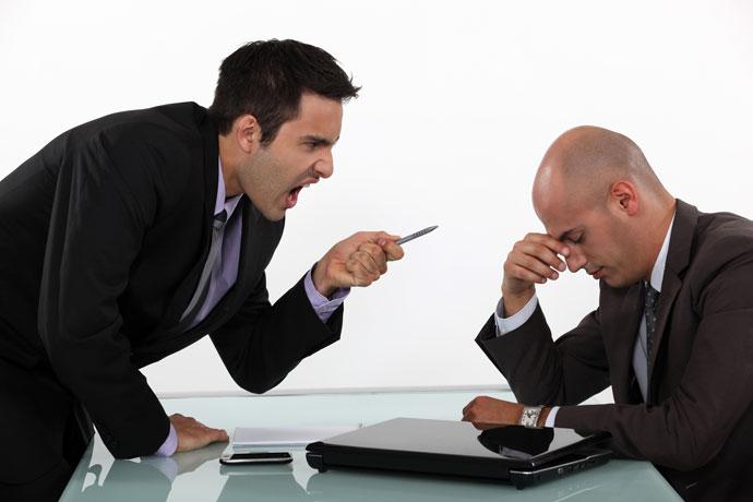 Конфликт между двумя мужчинами