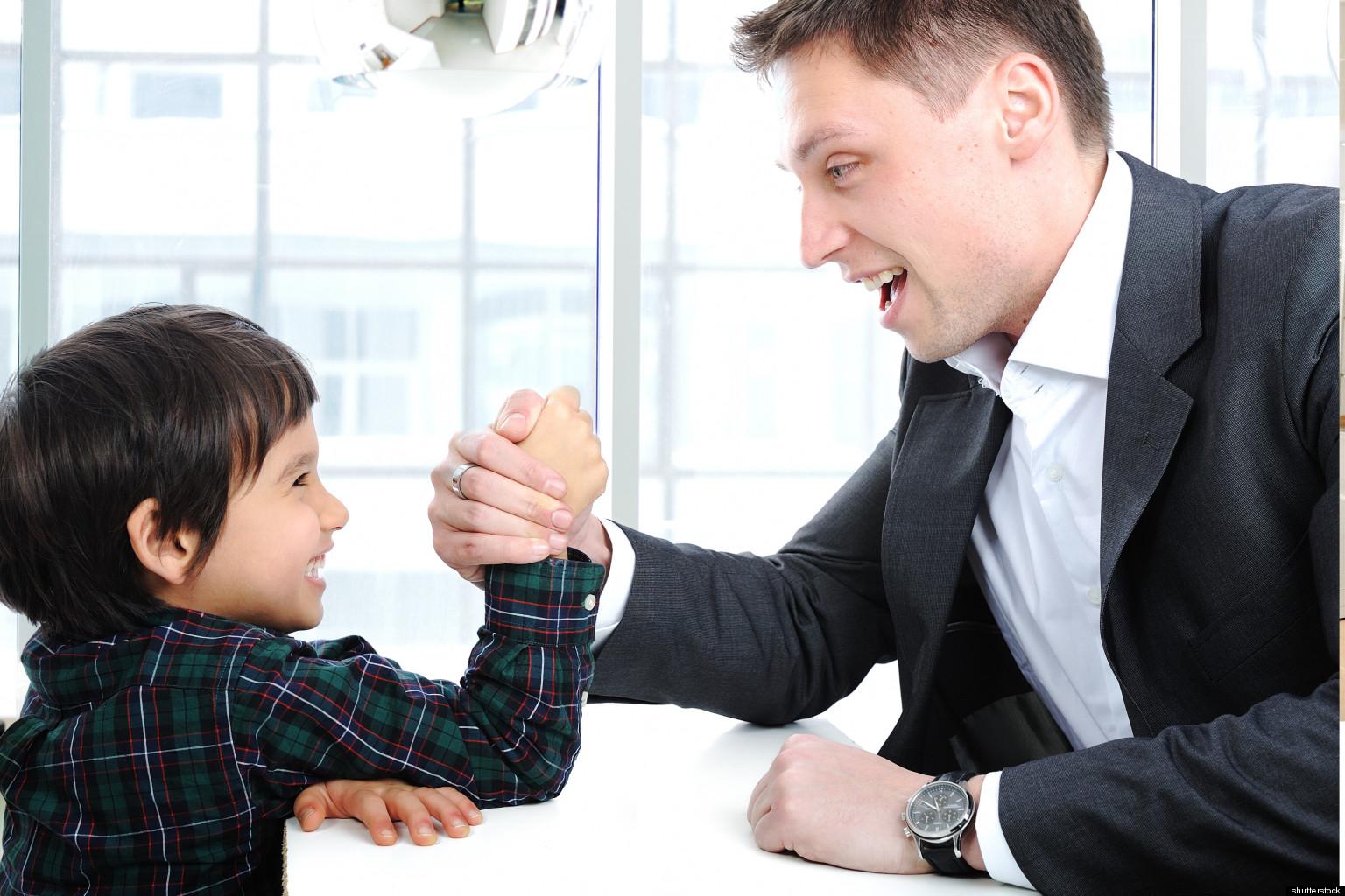 Отец передает лидерские навыки сыну
