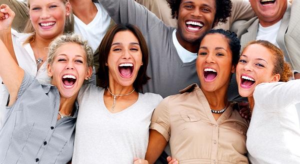 Один из ключей к позитивному мышлению – окружение оптимистами