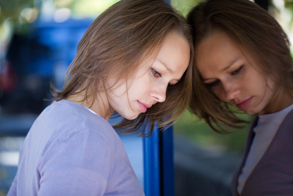 Если настрой изменяется резко и неожиданно, следует обратиться к специалисту