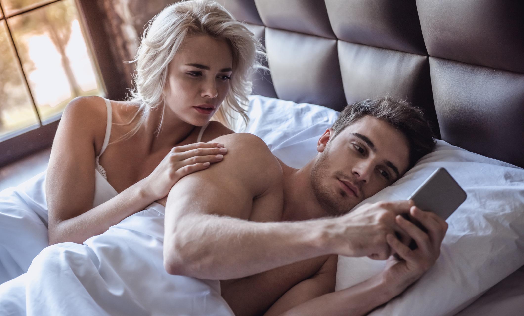 Супружеской неверности можно избежать, уделяя больше внимания второй половине