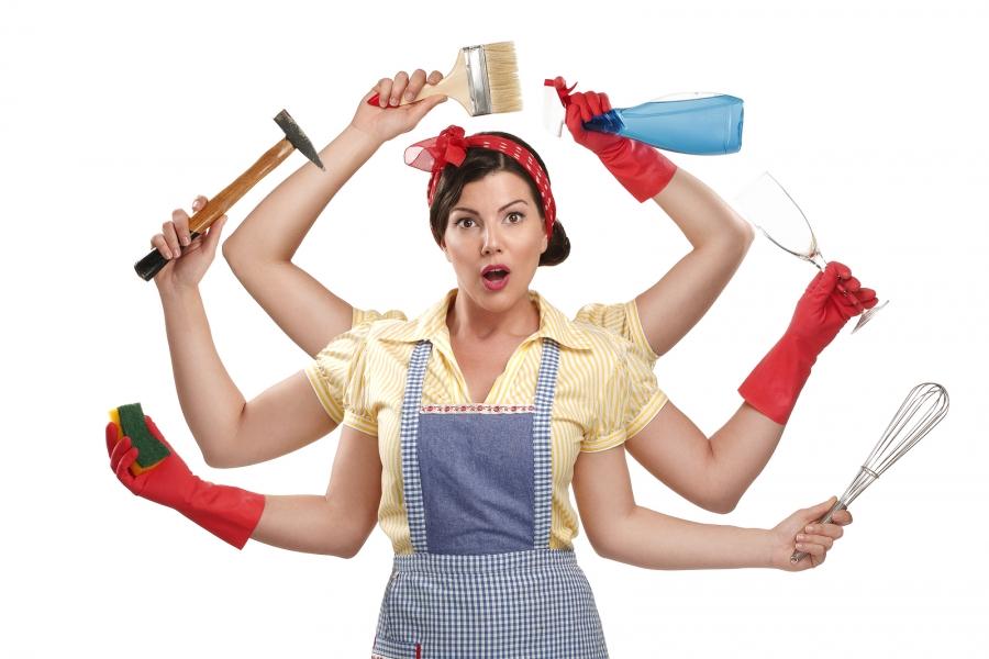 Домохозяйка со множеством дел