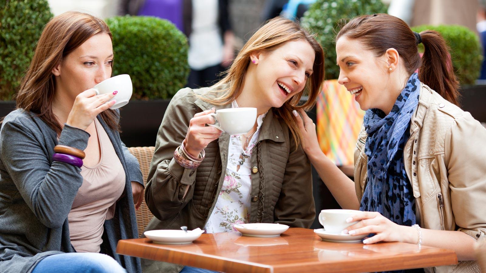 Обсуждение любимой темы поможет справиться с застенчивостью