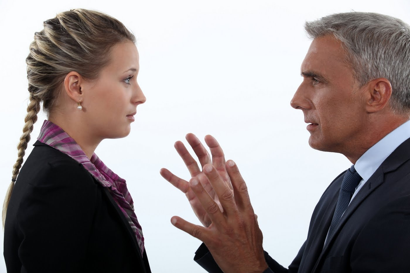 Качественно выполнять гипноз сможет научить лишь профессионал