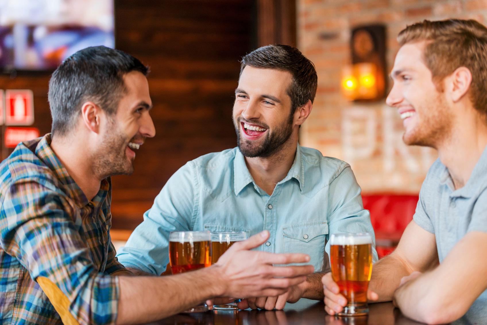 Друзья в баре