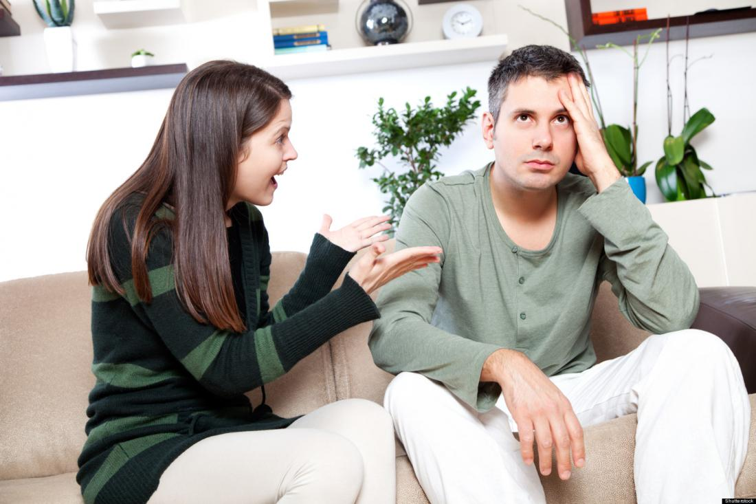 Постоянно недовольная супруга и уставший от истерик муж