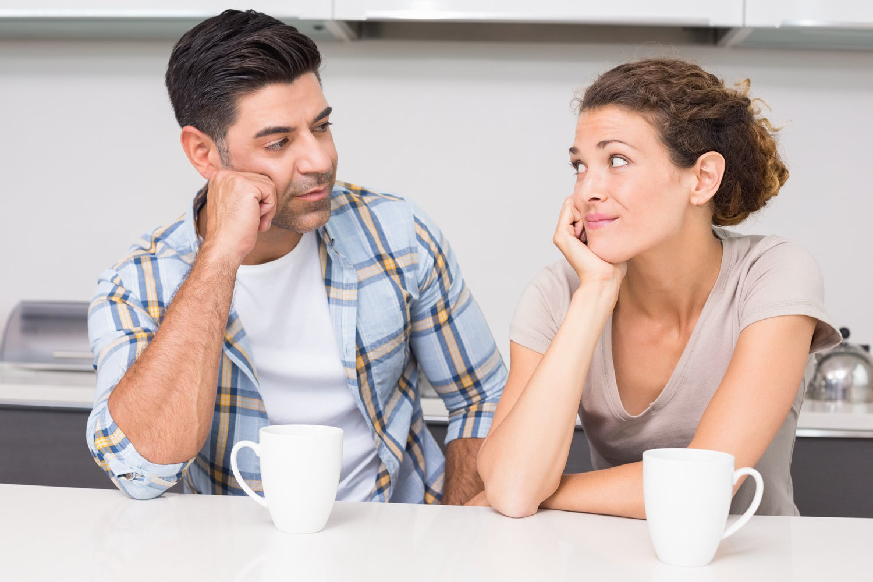 Супруги обсуждают проблему
