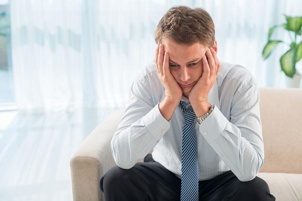 Депрессивному состоянию подвергается каждый человек