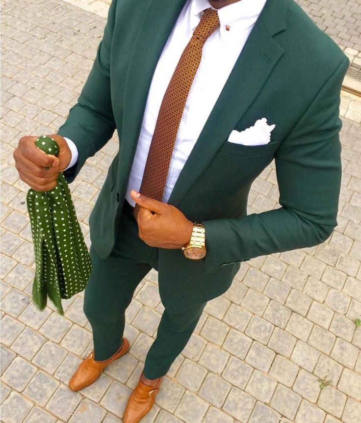 Иногда любовь к определенной цветовой гамме выражается в том, что вся одежда подбирается в определенных оттенках