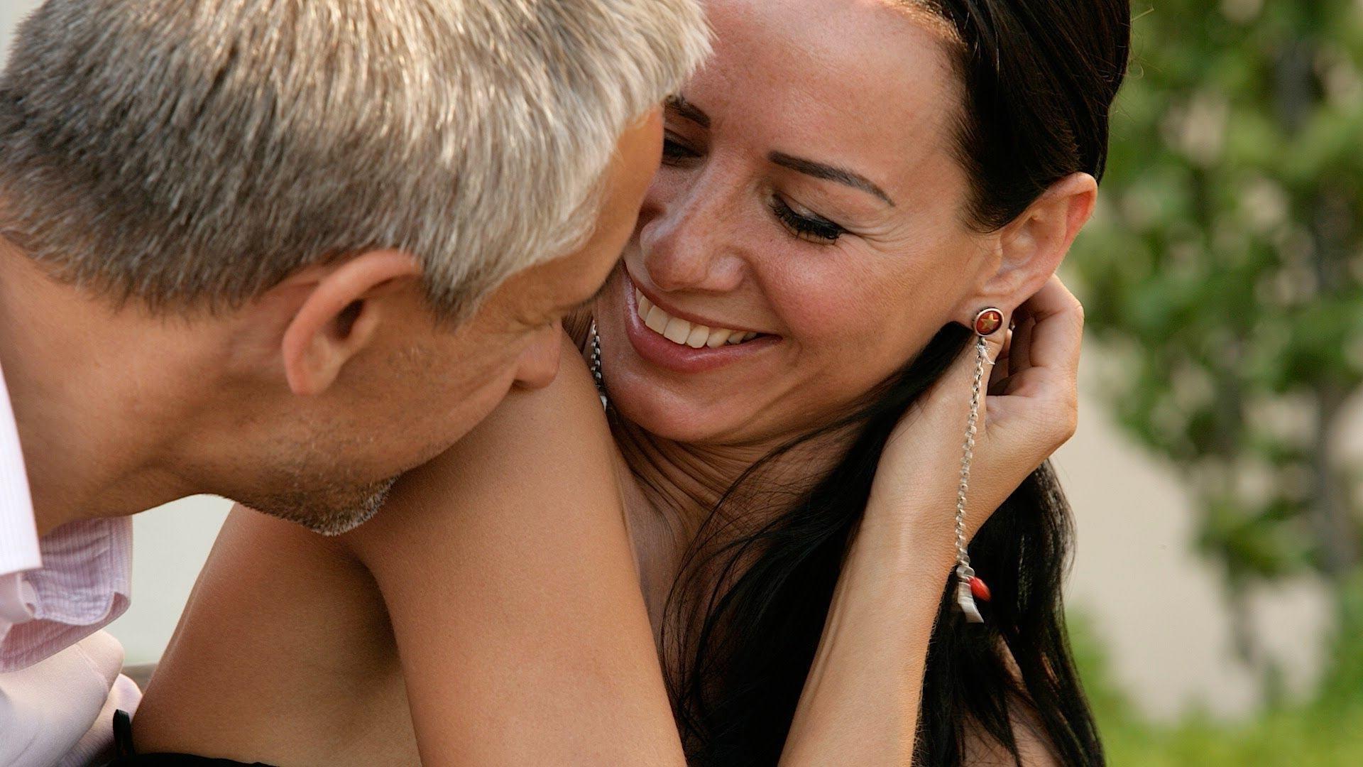 Чтобы стать идеальной любовницей, нужно уметь привлекать не только красотой, но и общением