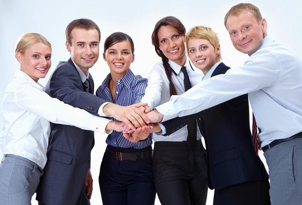 Если работники воспринимают друг друга как друзья, это позволяет им лучше справляться со стрессовыми моментами