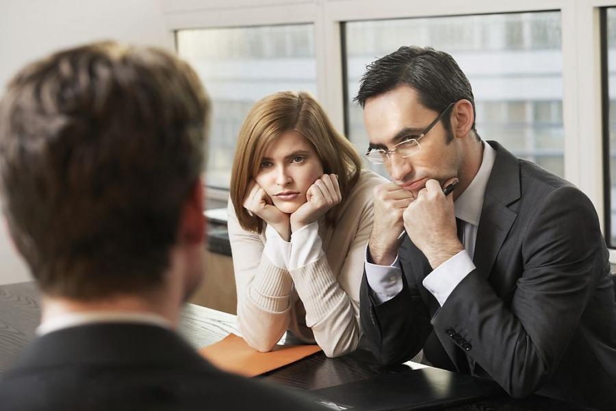 Редко кто с первого раза устраивается на работу, не нужно переживать по этому поводу – плохой опыт тоже полезен