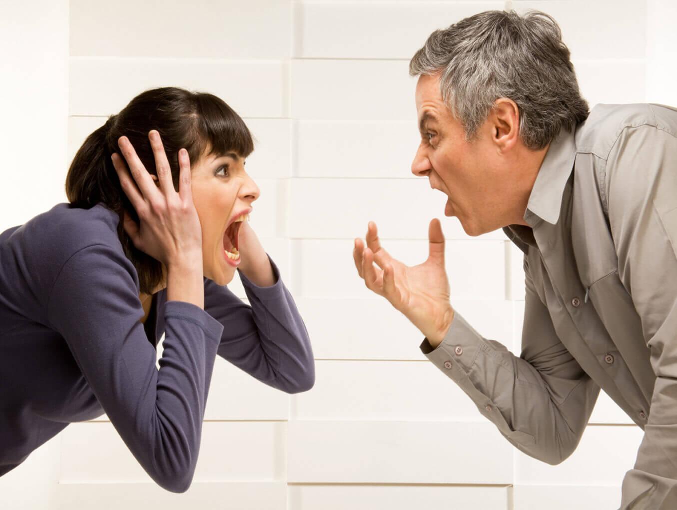 Конфликт между начальником и подчиненной