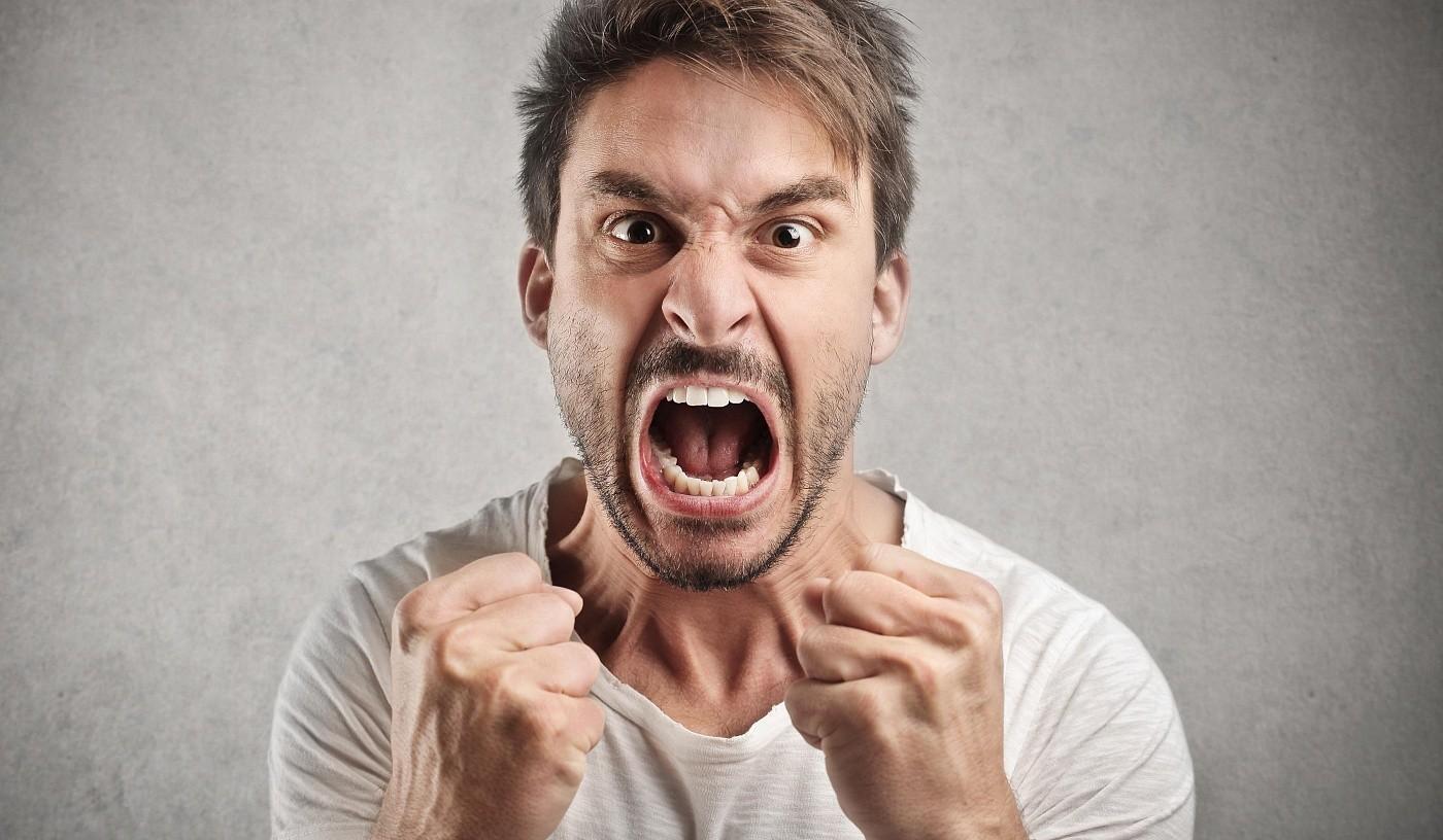 Вспышки гнева, перемежающиеся с чувством вины и раскаяния, при стрессе – обычное дело