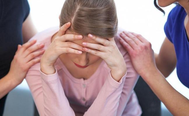 Нередко навязчивая помощь окружающих воспринимается апатичным человеком как насилие
