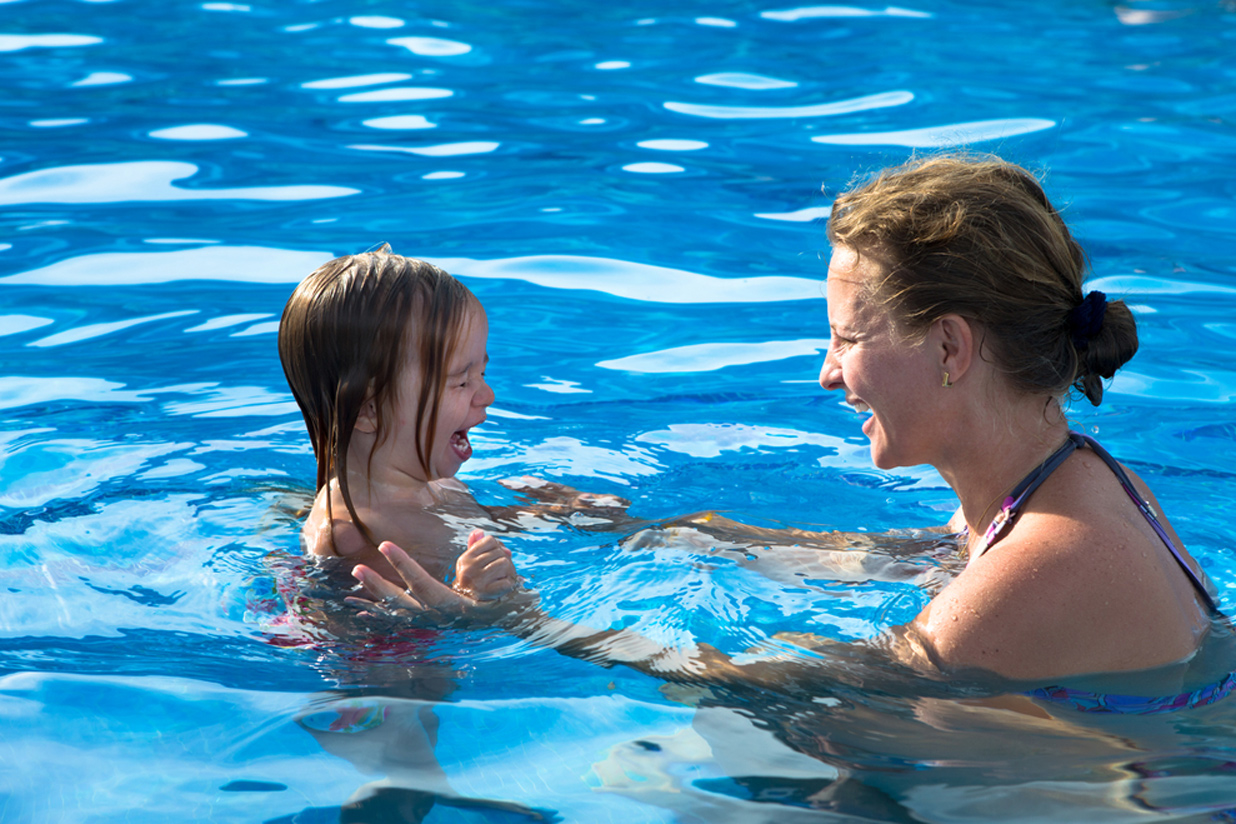 Не всегда родители придают значение тому, как приучают малыша к водным процедурам