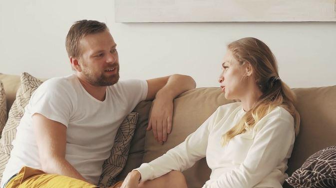 Почему мужчина называет женщину по имени отчеству