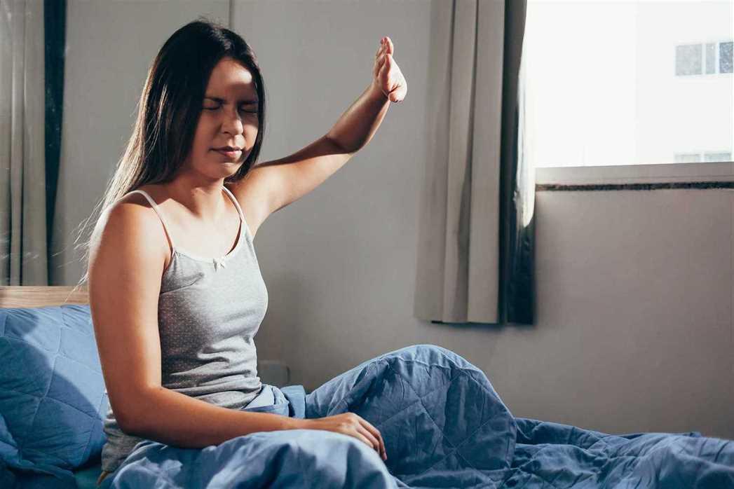 Светобоязнь возникает вследствие простуды и при более тяжелых заболеваниях