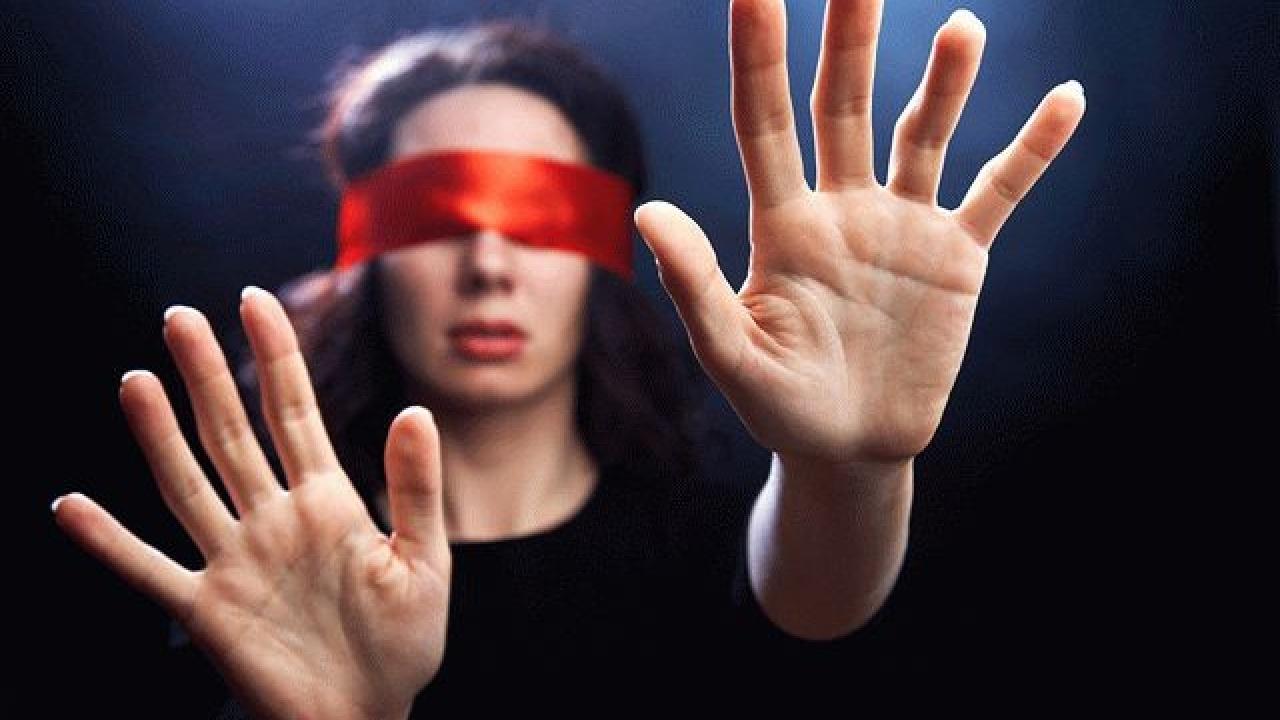 Фотофобию нельзя игнорировать, она может окончиться слепотой