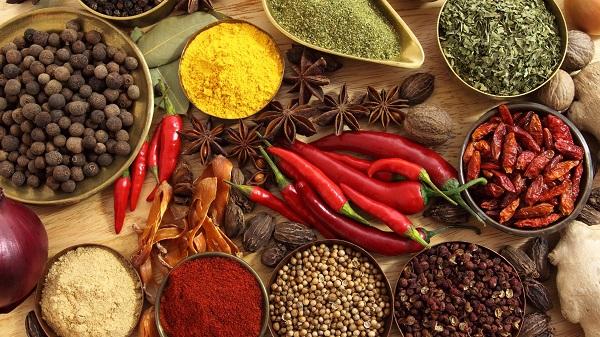 При нимфомании следует отказаться от продуктов, стимулирующих либидо