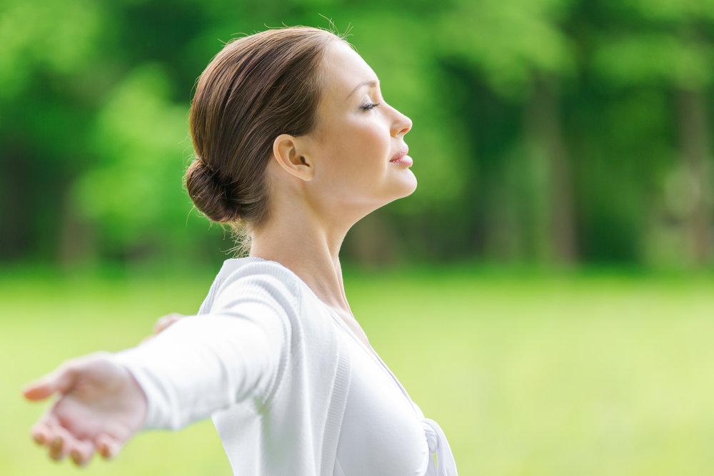 Уровень тревожности хорошо снижает регулярная дыхательная гимнастика