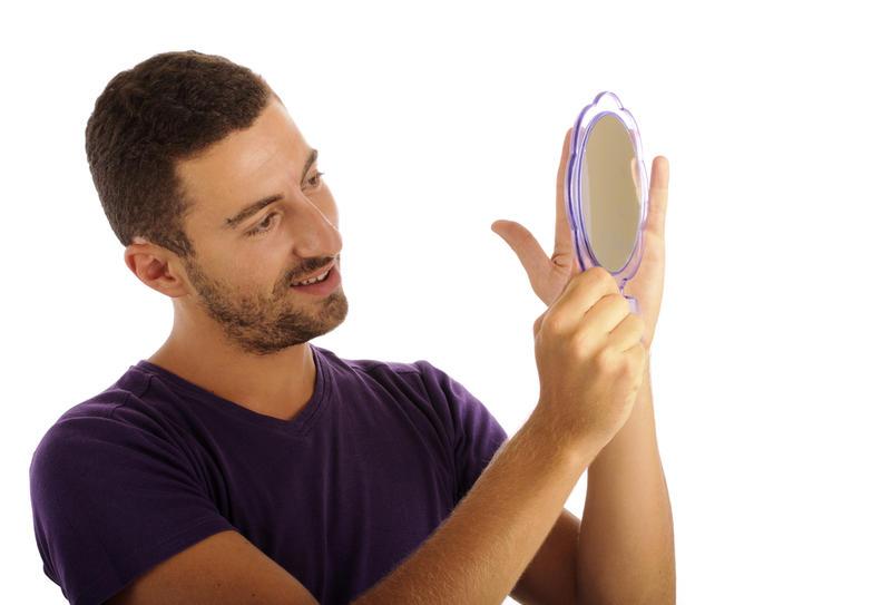 Выдающийся нос – гордость нарцисса
