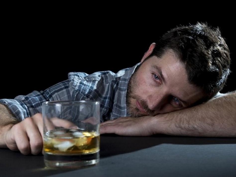 Алкогольная зависимость – причина нервного расстройства