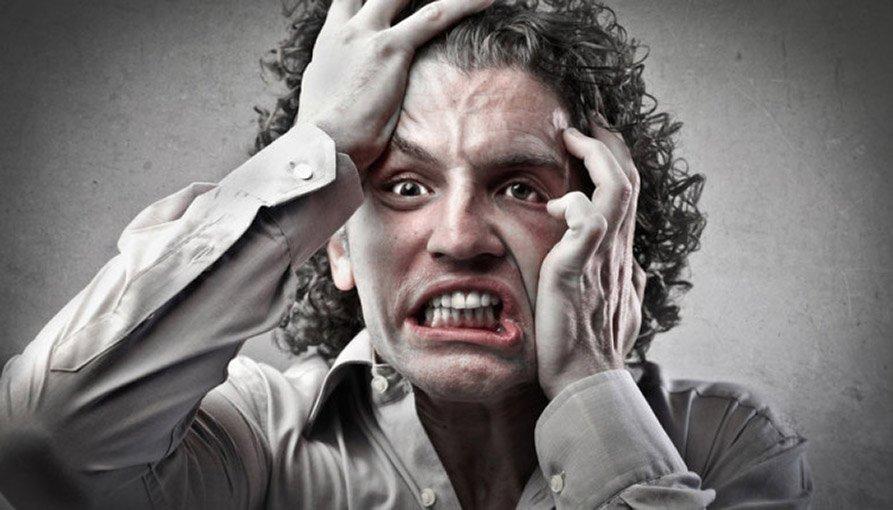 Психопатия может проявляться в буйстве характера, а может быть скрытой