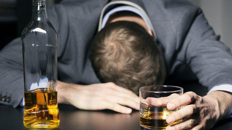 Алкоголизм способствует появлению и развитию ригидности