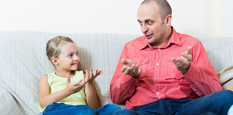 Дети учатся общению, копируя взрослых