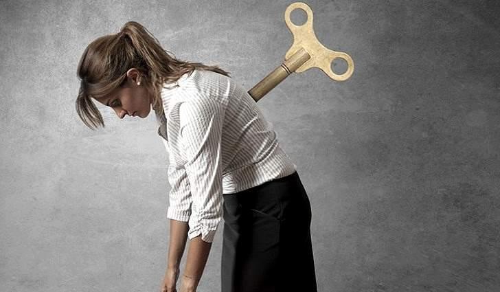 Чтобы вывести человека из апатии, необходимо подобрать под него специфический ключ
