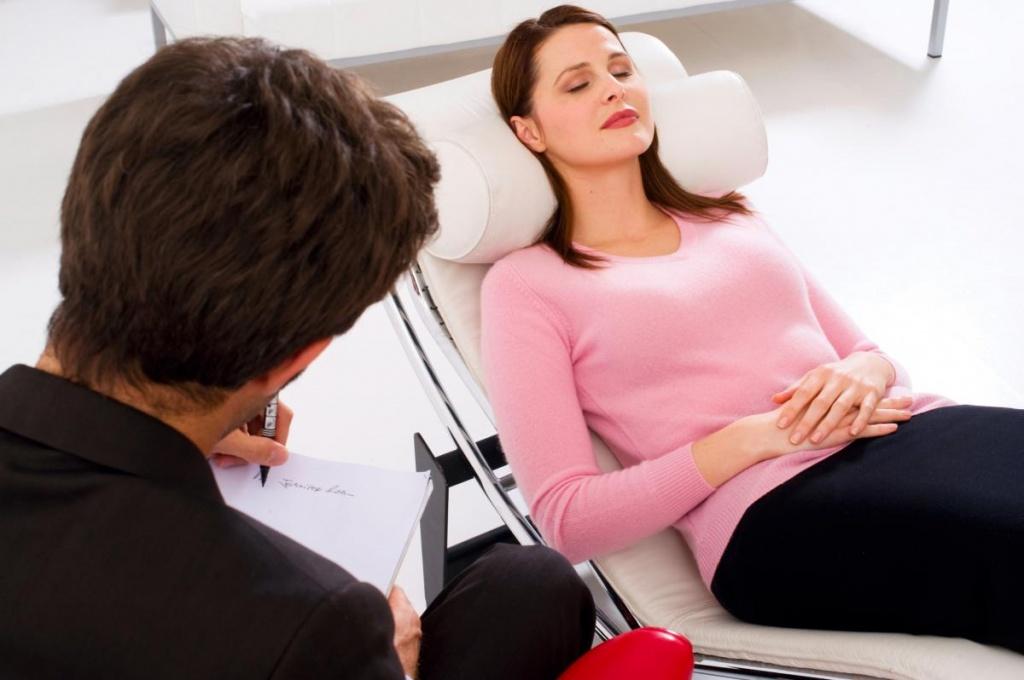 Среди методов психотерапевтического воздействия на психопатов самым распространенным является гипноз