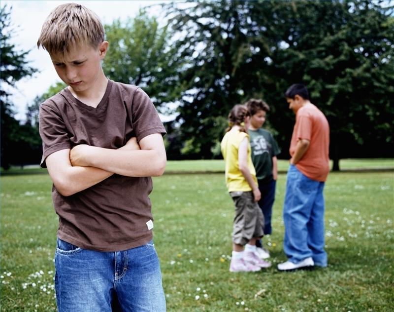 И завышенная, и заниженная самооценка может навредить человеку в межличностных отношениях