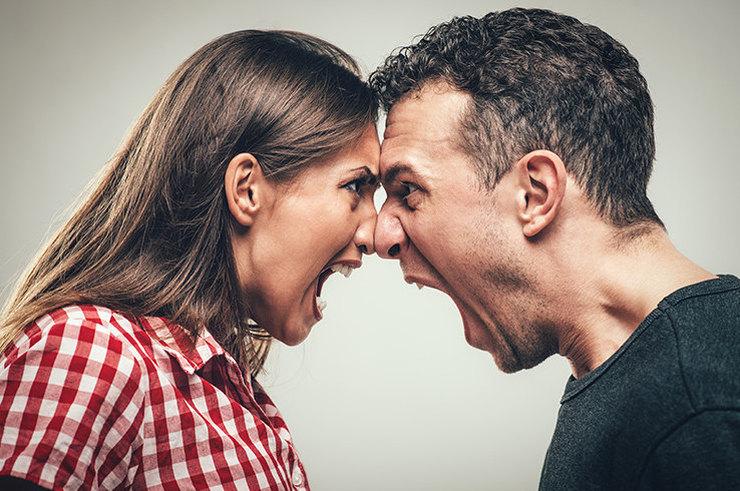 Статусно-ролевой конфликт нередко возникает в семейных отношениях и становится причиной разлада между супругами