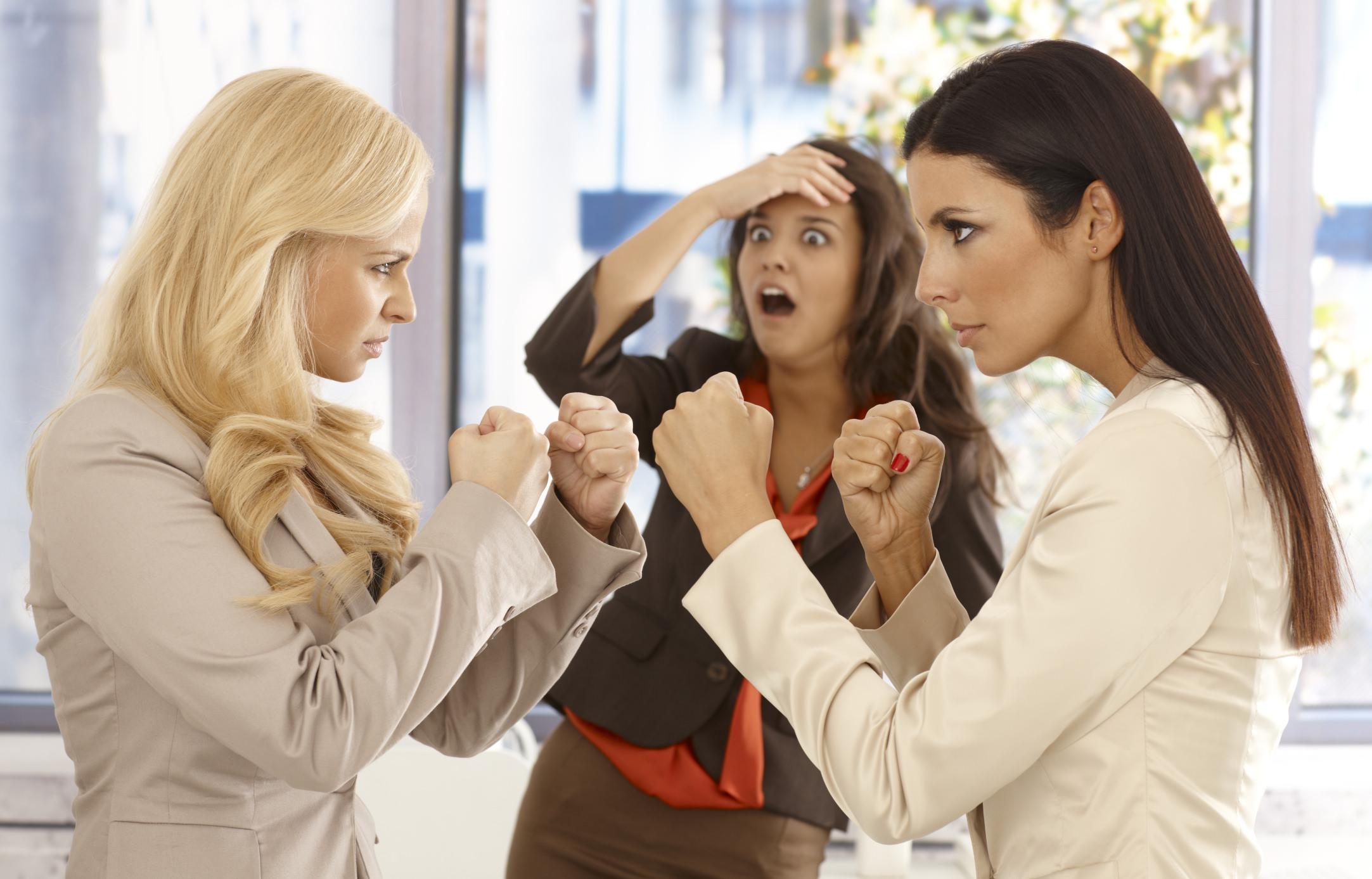 Без своевременной помощи человек обрекает себя на постоянные конфликты