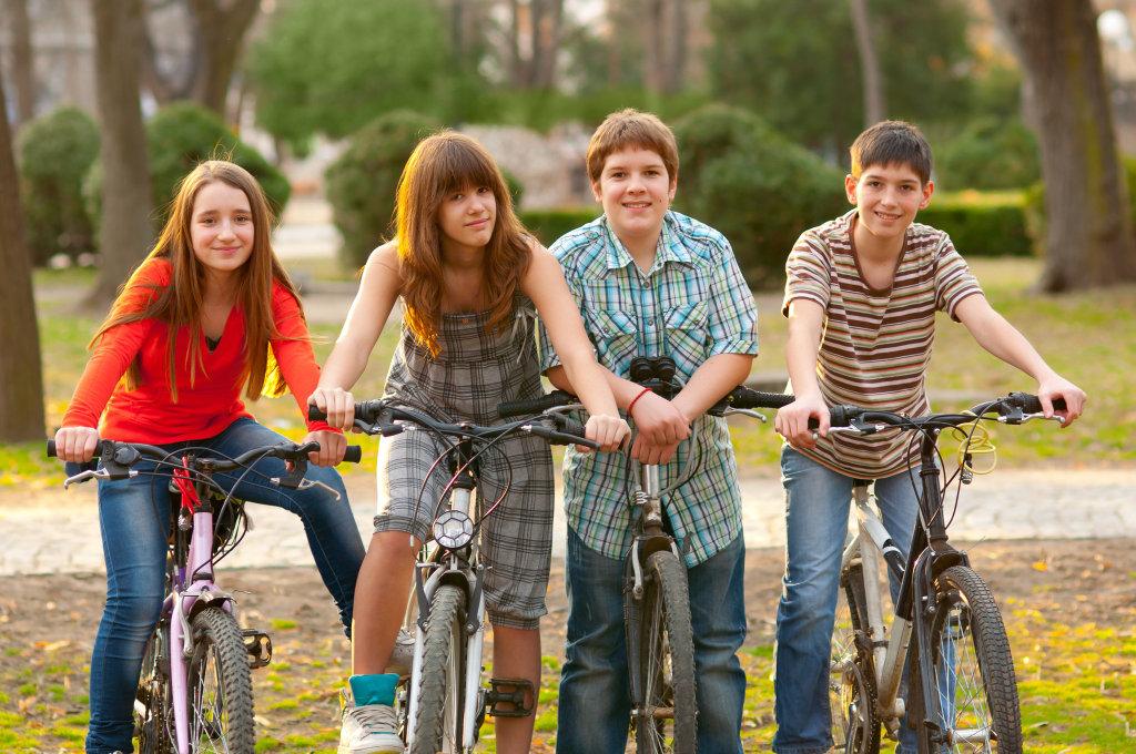 Подростковый период самый сложный в становлении самооценки, так как многое зависит от мнения окружающих и внешних данных
