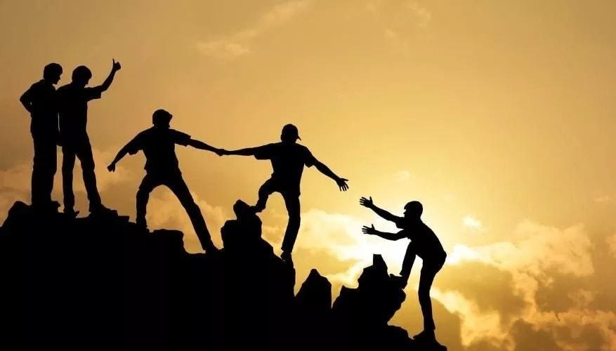 Альтруизм как форма межличностного общения