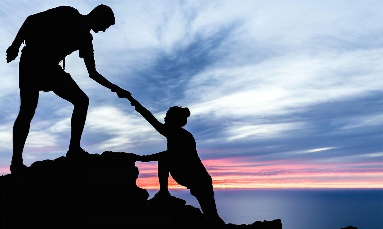 При альтруизме индивид приносит в жертву свои интересы