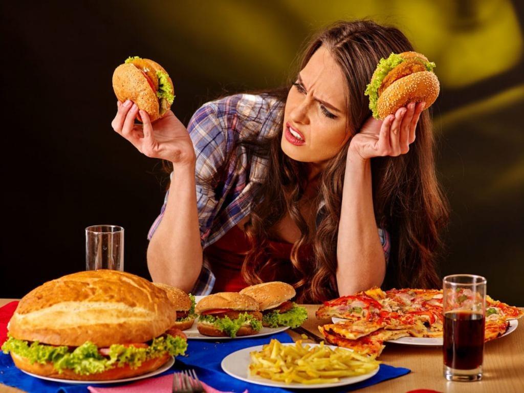Переедание во время стресса – пусть к ожирению