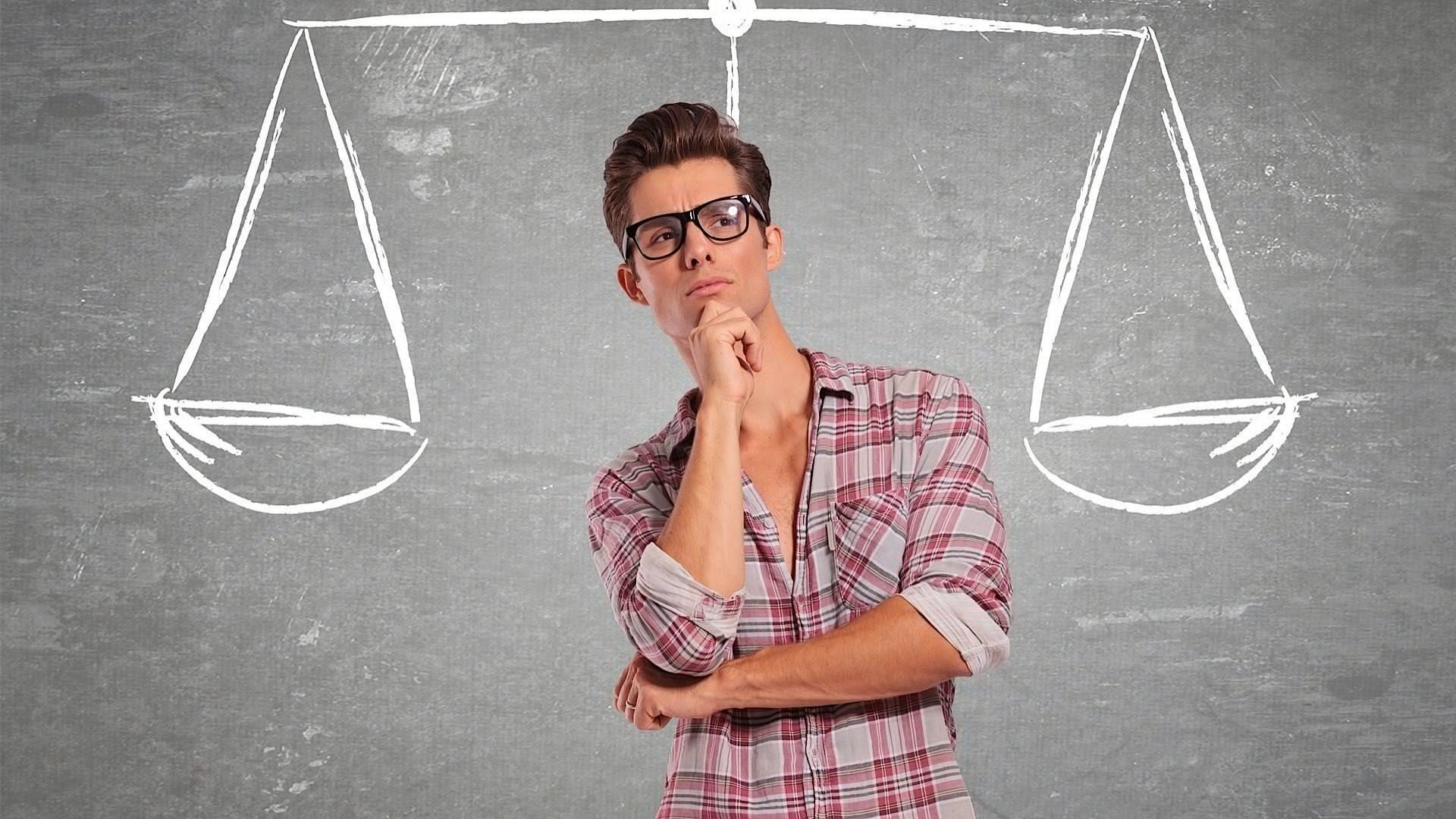 Человек проговаривает свои мысли вслух при решении какой-либо задачи