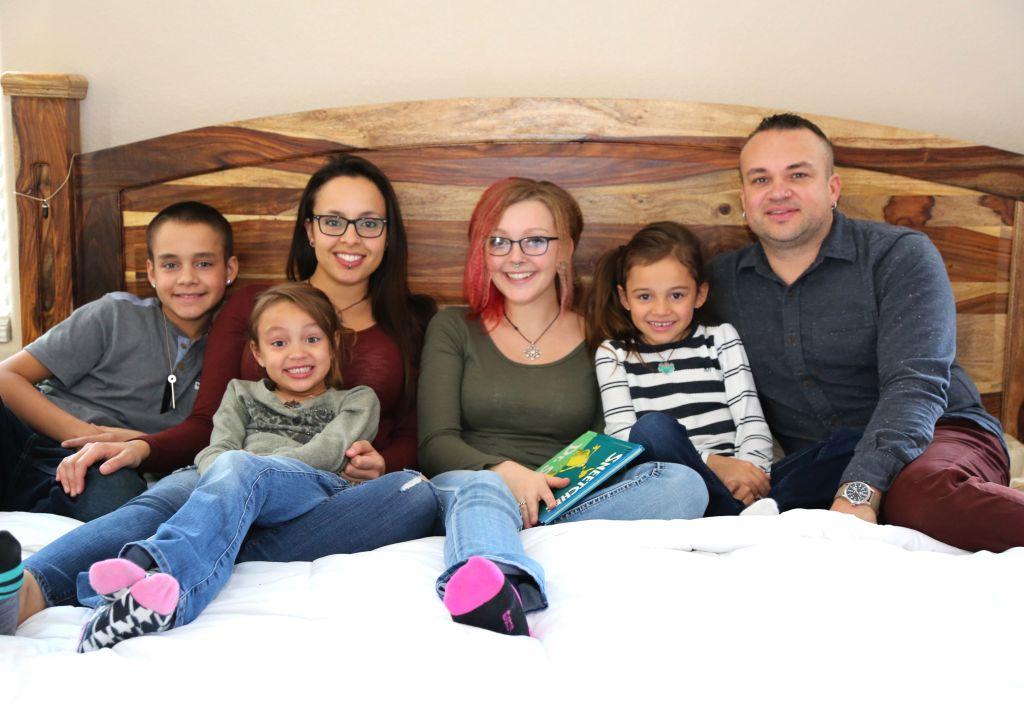 Полигамные семьи воспитывают детей вместе