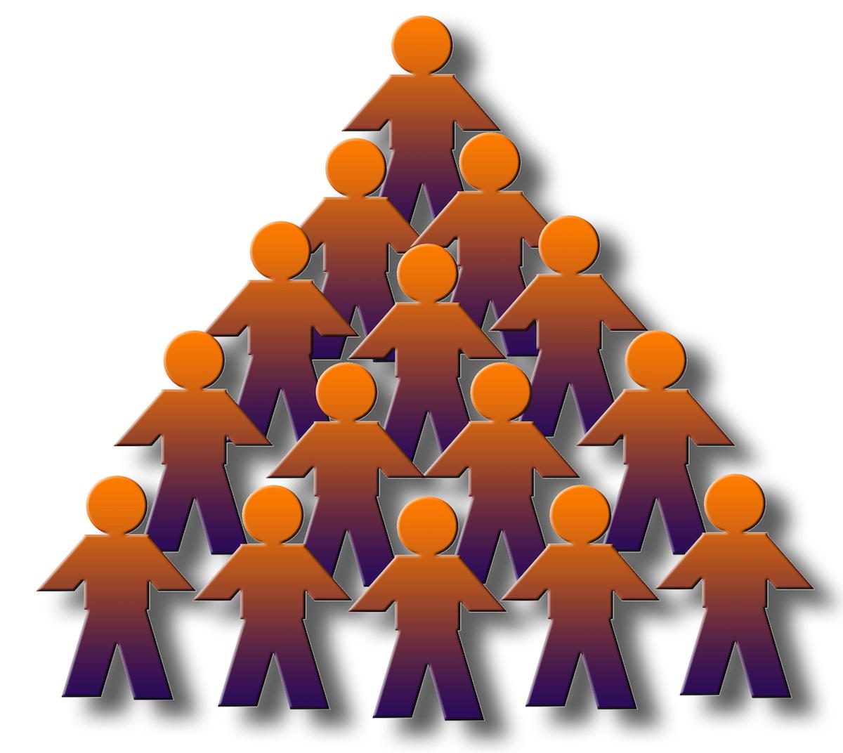 Иерархия есть в любом объединении людей