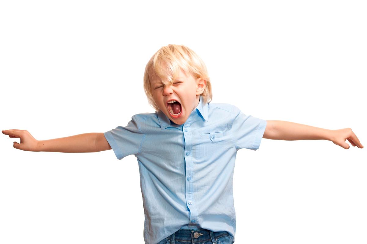 Иногда дети с помощью агрессии привлекают внимание родителей