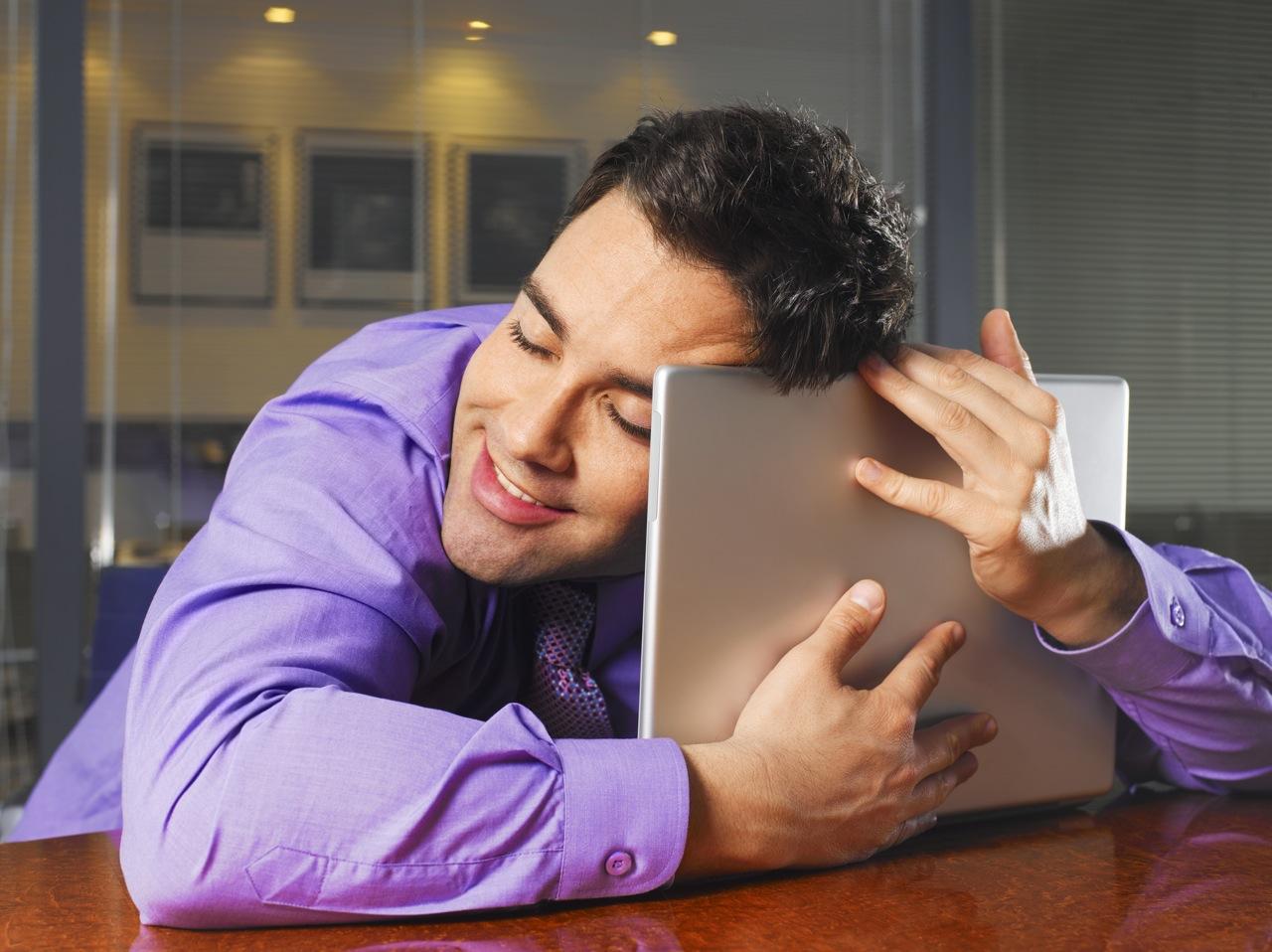 Банальное обращение на «Вы» не теряет своей актуальности в виртуальном пространстве