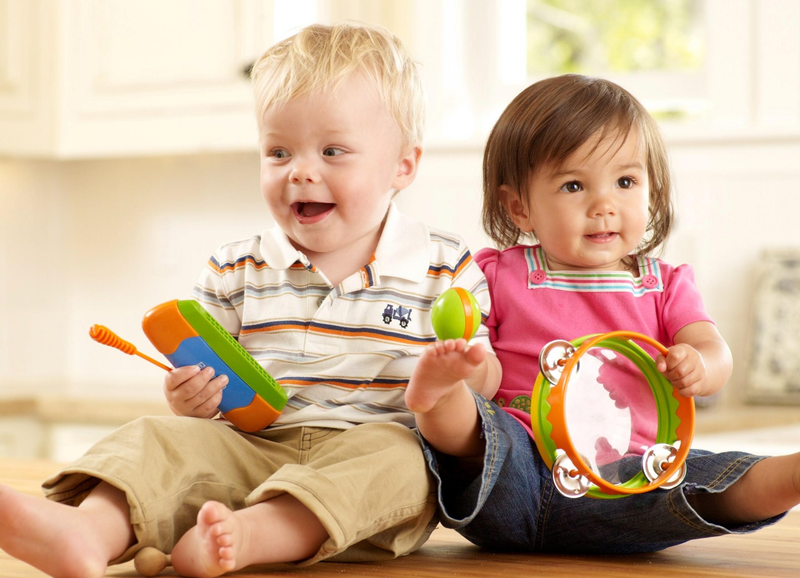 Дети не задумываются и имитируют поведение взрослых, это влияет на формирование стиля