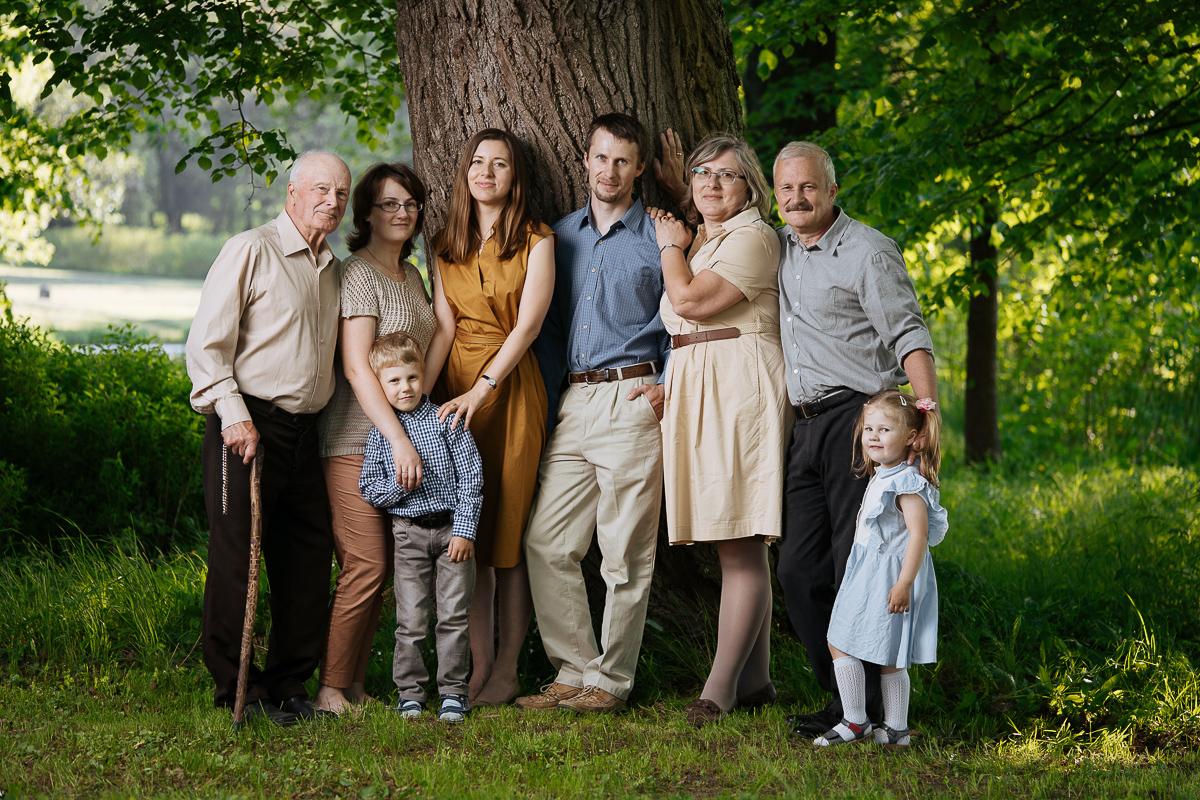 Семья – это важный этап в жизни человека, в ней передается бытовой опыт