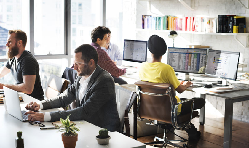 Фасилитатор умеет настроить сотрудников на полную отдачу в работе