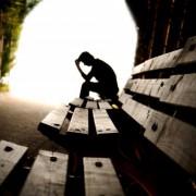 Маскированная депрессия проявляется через хроническую усталость, боли
