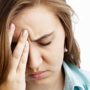 От раздражения болит голова